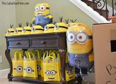 The cutest Minion Birthday Party Ideas including a homemade Minion cake, Minion decorations, Minion party favors, DIY Minion hats and more. Despicable Me! Minions Birthday Theme, Minion Birthday Invitations, 3rd Birthday Parties, Boy Birthday, Birthday Ideas, Minion Party Games, Minion Party Favors, Minion Party Theme, Party Decoration