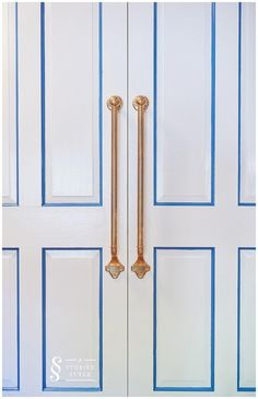 Un dormitorio para cuatro en azul. O una de literas geniales (+get the look) Bunk Rooms, Look Vintage, Closet Doors, Built Ins, Door Handles, Challenges, Boys, Feng Shui, Design