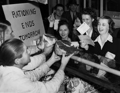 The Digs: Pittsburgh Post-Gazette | Aug. 14, 1945: Pittsburgh celebrates V-J Day ...