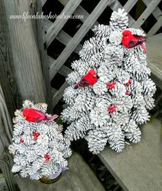 winter pine cone trees with berries and birds, crafts, Winter Pine Cone Trees flocked with snow New Crafts, Crafts To Do, Holiday Crafts, Christmas Wreaths, Christmas Crafts, Crafts For Kids, Christmas Decorations, Christmas Ornaments, Christmas Ideas