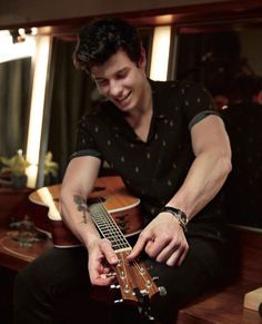 'There's Nothing Holdin' Me Back' singer Shawn Mendes shares the inspiration for his new fragrance, his ultimate role model (hey, J.) and what his dream date smells like – get the details Justin Bieber, Mendes Army, Shawn Mendes Wallpaper, Daddy, Magcon, To My Future Husband, Selena Gomez, My Boyfriend, Celebs