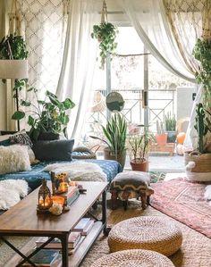 Decor, Home Decor Inspiration, Living Room Inspo, Room, Old Apartments, Boho Living Room, Home Decor, Living Decor, Home And Living