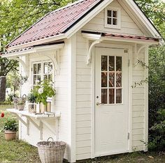 """972 Likes, 89 Comments - Alicia UnDeOnce (@un.de.once) on Instagram: """"I think every woman should own one of these she-sheds if at all possible. Our backyard is tiny…"""""""