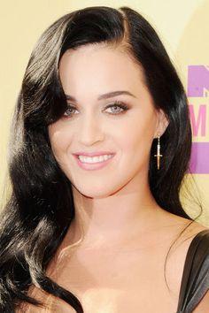 Celebrity inspired wedding makeup: Katy Perry's retro hair