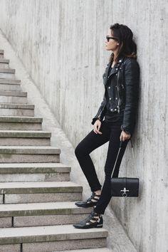 Jacket-Burberry/Tank top-BLK DNM/Jeans-Örjan Andersson/Shoes-Bikbok/Bag-Givenchy
