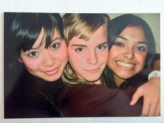 new/old picture of Katie Leung, Emma Watson and Afshan Azad on the set of Harry Potter Draco Harry Potter, Harry James Potter, Harry Potter Pictures, Harry Potter Characters, Harry Potter Universal, Harry Potter World, Draco Malfoy, Hermione Granger, Katie Leung