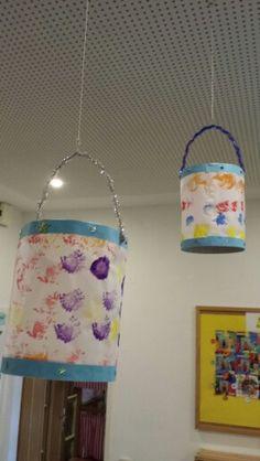 """Martins-Laternen mit """"Pom Poms"""" gestempelt!  Frei gestaltet durch die Kinder!"""