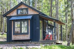 Photo 15 of 20 in 10 Adorable Tiny Homes You Can Rent Right Now - Dwell Blue Moon Rising, Best Campgrounds, Light Hardwood Floors, Wood Siding, Cabins And Cottages, Go Camping, Tiny House, Building A House, Places To Go
