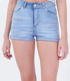 Short feminino   Cintura alta   Com barra dobrada   Marca: Blue Steel   Tecido : jeans   Composição:  77% algodão, 20% poliéster e 3% elastano  Modelo veste tamanho: 36     COLEÇÃO VERÃO 2016      Veja outras opçoes de    shorts femininos.