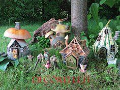www.decorelle.fi - Parhaat keijupuutarhan tuotteet - www.decorelle.fi Miniature Fairy Gardens, Bird Feeders, Miniatures, Garden Products, Patio, Living Room, Outdoor Decor, Instagram Posts, Home Decor