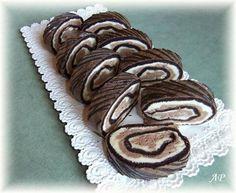 Sametová roláda - Powered by Cake Pops, Gingerbread Cookies, Tiramisu, Rolls, Yummy Food, Sweet, Recipes, Basel, Deserts