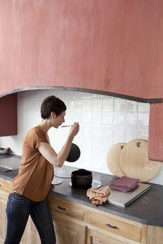 #krijtverf #kalkverf #chaux Desk, Furniture, Home Decor, Lime Paint, Desktop, Decoration Home, Room Decor, Home Furnishings, Office Desk