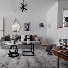 Huvudstalundsvägen 12 Fot @mohvsolna Foto @clearcutfactory Styling @stylingbolaget #stylingbolaget #homestaging #homestyling #hay #inredningsinspiration #inredningsinspo #interiorinspiration #interiorinspo #homeinspo #homedecoration #houzzse #livingroom #livingroomdecor #livingroominspo #vardagsrum #vardagsruminspo #interiordesign #scandinaviandesign #scandinavianstyle #scandinavian #interior123 #scandinavianinterior