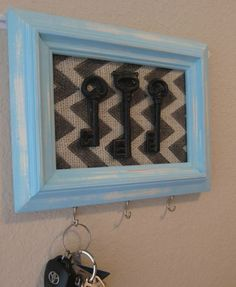 Paint vintage frame and put old keys in it as a décor - 20 DIY Creative Key Holders--- I have tons of antique keys that came with my house.....