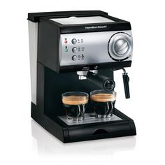 Make flavorful, strong coffee drinks from the comfort of your home home with this Hamilton Beach espresso maker. Designed to evoke the aromas and tastes of a European cafe, this espresso machine provides cafe-quality results. Latte Maker, Cappuccino Maker, Cappuccino Machine, Espresso Maker, Coffee Machine, Espresso Machine Reviews, Best Espresso Machine, Nespresso, European Cafe