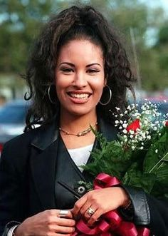Selena Quintanilla-Pérez  <3  April 16, 1971 - March 31, 1995    Love her music. Rest Peacefully, beautiful <3