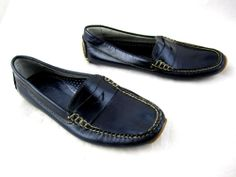 L.L. Bean womens penny loafers driving flats sz 7M navy blue leather comfort