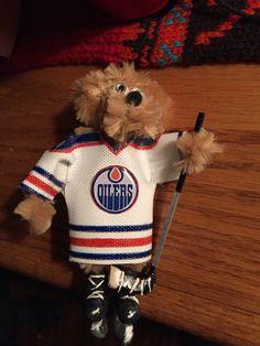 DIY, crafts, Pipecleaner, fimo, Edmonton Oilers, lapel pin