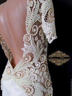 Купить или заказать Платье 'Жемчуг' в интернет-магазине на Ярмарке Мастеров. Это шикарное платье выполнено в технике 'ирландское'(наборное)кружево из тончайшего шелка.Не возможно оторвать взгляд от чарующего блеска 1500 жемчужин. Все это великолепие довершает сверкающее сияние хрустальных бусин сваровски,делая платье изящным . Платье было изготовлено для показа на XIV Международной выставке рукоделия и творчества 'ЗОЛОТЫЕ РУКИ…
