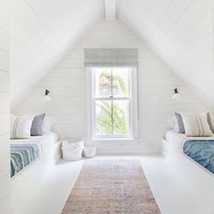 Such a light, bright, fresh, fun loft!! This charming loft was designed and posted by @amberinteriors . : @tessaneustadt  #kiostorage #kio #keepitorganized #closet #shelves #diy #closetkit #shelvingsystem #easytoinstall #madeintheusa #openshelves #homedecor #homestorage #moderndesign #modernstyle #summerproject #backtoschool #collegedorm #dorm #dormdécor #apartmentdecor #closetchic #bookcase #wallstorage #organize #tidy #sparkjoy