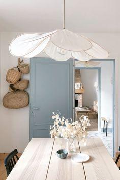 Diy Bedroom Decor, Diy Home Decor, Coastal Living Rooms, Coastal Cottage, Cottage House Plans, Cottage Interiors, Interiores Design, Interior Inspiration, Sweet Home