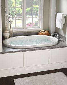 33 Fascinating Bathtub Decor Ideas That You Should Copy - One of the many wonderful things about putting a corner whirlpool bathtub in your bathroom is the many decorating options that it opens up. Jacuzzi Bathtub, Bathtub Decor, Whirlpool Bathtub, Jetted Tub, Bathtubs, Spa Tub, Master Bathroom Tub, Small Bathroom, Bathroom Tubs