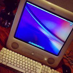 Lo que se encuentra uno en los tiraderos 😘😘 #imac #emac #apple #MacBook #retro #vintage #instafoto #instalife FUNCIONANDO Al 100