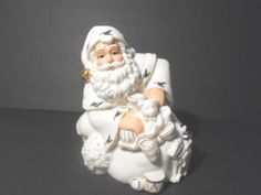 SANTA music box by HOLLY HOLIDAY excellent condition very DETAILED works great