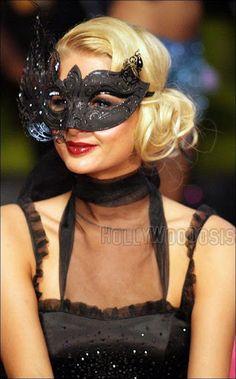 //Paris Hilton