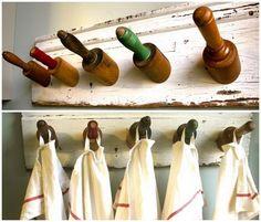24 manières géniales et bien pensées de réutiliser vos vieux ustensiles de cuisine ! Recycled Kitchen, Old Kitchen, Kitchen Items, Kitchen Utensils, Vintage Kitchen, Kitchen Stuff, Smart Kitchen, Kitchen Decor, Kitchen Wood