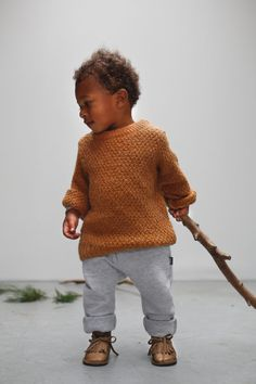 The first magazine for modern mums Toddler Fashion, Kids Fashion, Leather Baby Shoes, 4 Kids, Kids Decor, Baby Knitting, Kids Outfits, Baby Boy, Men Sweater