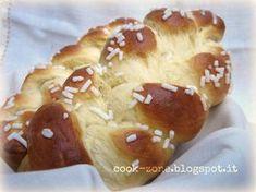 Braided sweet - Treccia dolce http://cook-zone.blogspot.it/2011/04/treccia-dolce-lievitata.html