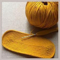 Crochet Handbags, Crochet Purses, Knitted Bags, Handicraft, Diy And Crafts, Knit Crochet, Sewing, Knitting, Pattern