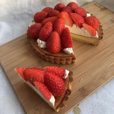 Image in Dessert, Sweet Things & Fruit 🍩🍦 collection by Trang Lê Think Food, I Love Food, Good Food, Yummy Food, Cute Desserts, Dessert Recipes, Dessert Food, Cafe Food, Aesthetic Food