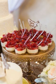 And Gold Glittery Wedding mini cherry cheesecake cups! yum for your graduationmini cherry cheesecake cups! yum for your graduation Dessert Bars, Dessert Bar Wedding, Bridal Shower Desserts, Wedding Desserts, Wedding Appetizers, Bridal Showers, Brunch Appetizers, Brunch Wedding, Wedding Catering