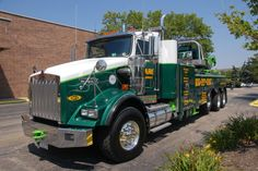 old wrecker and tow truck pictures Big Rig Trucks, Dump Trucks, New Trucks, Custom Trucks, Cool Trucks, Pickup Trucks, Towing Company, Towing And Recovery, Truck Repair