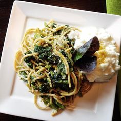 Growing tired of Kale? Try Rapini (a.k.a. Broccoli Rabe)  Dinner tonight... Whole Grain Pasta tossed with a quick homemade pesto sauce Rapini and Cottage Cheese #fitfood #healthyeating #cleaneating #mealideas #pasta #protein #cottagecheese #sundaymealprep #foodstagram
