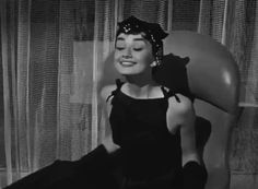 Audrey Hepburn Pictures, Audrey Hepburn Movies, Aubrey Hepburn, Audrey Hepburn Inspired, Audrey Hepburn Style, Viejo Hollywood, Old Hollywood, Film Aesthetic, Aesthetic Videos