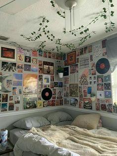 🌫️Hola, mí nombre es TN, y mí vida se está convertir en lo peor de t… #fanfic # Fanfic # amreading # books # wattpad Indie Bedroom, Indie Room Decor, Cute Room Decor, Indie Dorm Room, Easy Diy Room Decor, Hipster Room Decor, Kid Decor, Trendy Bedroom, Home Decor