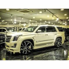Find out about hybrid suv. Check the webpage to find out more. See our exciting images. Suv Trucks, Suv Cars, Jeep Cars, Chevy Trucks, Bugatti, Lamborghini, Ferrari, Lexus Suv, Jet Ski