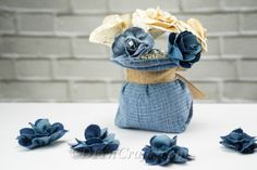 How to Make Denim Rose Flowers Out of Jeans - ArtCraftVila Denim Flowers, Fabric Flowers, Rose Flowers, Roses, How To Tie Ribbon, How To Make Bows, Old Jeans Recycle, Denim Bag Patterns, Denim Scraps
