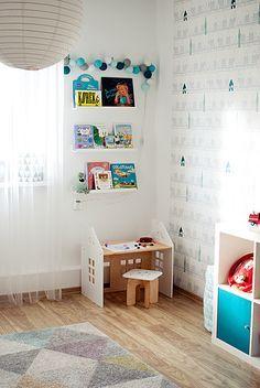 toddler desk - house theme room