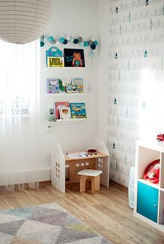 toddler desk - house theme room