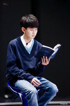 Bé Hai trong The reader Let Me Love You, Big Love, Cute Boys, My Boys, I Roy, Jackson Yi, Anime Chibi, Nct Dream, My Sunshine