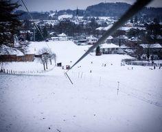 Das hier wissen sicher nicht viele. Mitten in Prien am Chiemsee gibt es einen kleinen Skilift. Geöffnet ist dieser natürlich nur wenn genug Schnee liegt... #chiemsee #chiemgau #prien #prienamchiemsee #winter #wirliebenwetter #ichliebewetter #wunderbaresbayern #deinbayern #visitbavaria #exclusive_europe #ig_deutschland #meindeutschland #ig_bayern #ig_discover_germany #igersgermany #bestgermanypics #bestofbavaria #skifahren #schnee #snow #srs_germany #loves_united_germany…