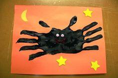 handprint bat for Halloween classroom craft: