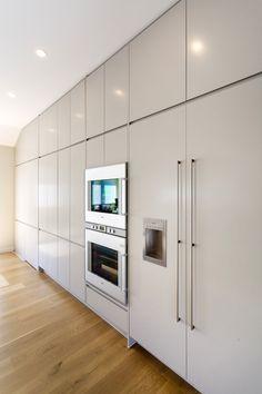 new kitchen by KMD Kitchens Auckland New Kitchen Designs, Kitchen Renovations, Beautiful Kitchens, Auckland, Interior Ideas, Building, Modern, Furniture, Home Decor