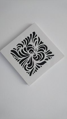 Primeira peça de canvas cutting! 12cmx12cm. #canvas #artepersonalizada #papercut #canvascut #tela