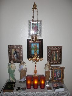 An in home altar to sanctify your prayers and the home. A great reminder that God and His saints are with us everyday! Not only on Sundays when we go to church. Catholic Altar, Catholic Religion, Catholic Kids, Catholic Prayers, Catholic Saints, Roman Catholic, Catholic Relics, Prayer Corner, Home Altar