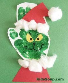 DIY Handprint Christmas Crafts for Kids 32 diy Christmas Handprint Crafts, Christmas Crafts For Toddlers, Toddler Crafts, Christmas Projects, Kids Christmas, Holiday Crafts, Prim Christmas, Father Christmas, Outdoor Christmas